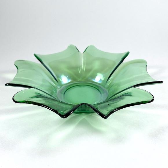Vintage green glass flower trinket jewelry dish